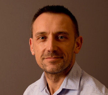 Simon Bates - Therapist - YMCA Club - Hypnosis - Central London